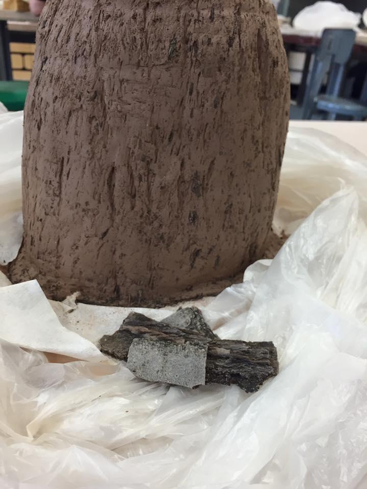 tree stump-cookie-jar