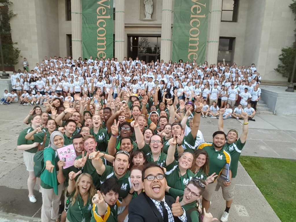 Orientation Leaders and incoming students in front of the Liberal Arts Center